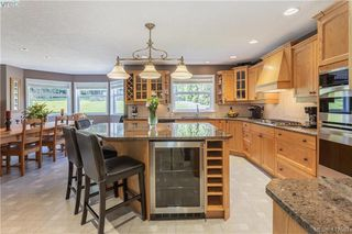 Photo 3: 11000 Inwood Rd in NORTH SAANICH: NS Curteis Point Single Family Detached for sale (North Saanich)  : MLS®# 818154