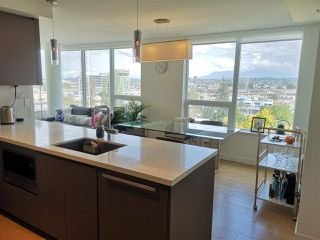 Photo 3: 1207 8833 HAZELBRIDGE Way in Richmond: West Cambie Condo for sale : MLS®# R2383761