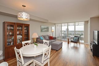 "Photo 10: 1705 1065 QUAYSIDE Drive in New Westminster: Quay Condo for sale in ""Quayside Tower 2"" : MLS®# R2386414"