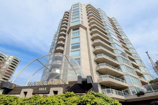 "Photo 20: 1705 1065 QUAYSIDE Drive in New Westminster: Quay Condo for sale in ""Quayside Tower 2"" : MLS®# R2386414"