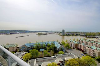 "Photo 5: 1705 1065 QUAYSIDE Drive in New Westminster: Quay Condo for sale in ""Quayside Tower 2"" : MLS®# R2386414"