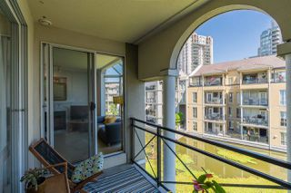 """Photo 15: 310 2 RENAISSANCE Square in New Westminster: Quay Condo for sale in """"The Lido"""" : MLS®# R2391411"""