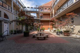 """Photo 18: 310 2 RENAISSANCE Square in New Westminster: Quay Condo for sale in """"The Lido"""" : MLS®# R2391411"""