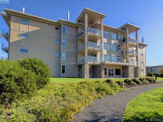 Photo 1: 401 3234 Holgate Lane in VICTORIA: Co Lagoon Condo Apartment for sale (Colwood)  : MLS®# 416667