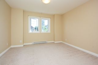 Photo 18: Master on Main in Detached Townhome in Sidney