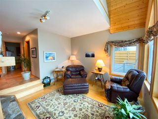 Photo 3: 2003 CLIFFSIDE Lane in Squamish: Hospital Hill House for sale : MLS®# R2430342