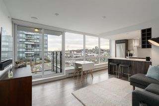 "Main Photo: 1006 1788 COLUMBIA Street in Vancouver: False Creek Condo for sale in ""EPIC"" (Vancouver West)  : MLS®# R2433046"
