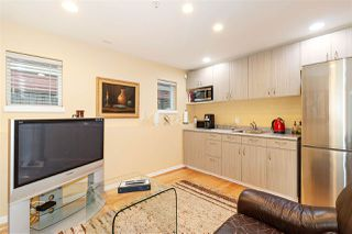 Photo 15: 1039 E 10TH Avenue in Vancouver: Mount Pleasant VE House 1/2 Duplex for sale (Vancouver East)  : MLS®# R2442601
