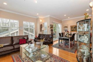 Photo 2: 1039 E 10TH Avenue in Vancouver: Mount Pleasant VE House 1/2 Duplex for sale (Vancouver East)  : MLS®# R2442601