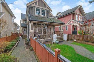 Photo 1: 1039 E 10TH Avenue in Vancouver: Mount Pleasant VE 1/2 Duplex for sale (Vancouver East)  : MLS®# R2442601