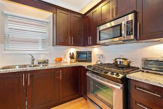 Photo 7: 1039 E 10TH Avenue in Vancouver: Mount Pleasant VE House 1/2 Duplex for sale (Vancouver East)  : MLS®# R2442601