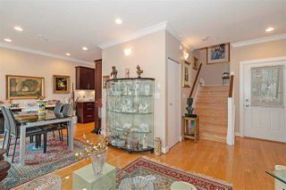 Photo 5: 1039 E 10TH Avenue in Vancouver: Mount Pleasant VE House 1/2 Duplex for sale (Vancouver East)  : MLS®# R2442601