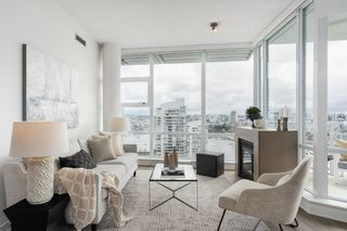 "Main Photo: 2601 638 BEACH Crescent in Vancouver: Yaletown Condo for sale in ""ICON I"" (Vancouver West)  : MLS®# R2448189"