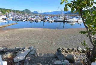 Photo 18: 670 BAY Road in Gibsons: Gibsons & Area House for sale (Sunshine Coast)  : MLS®# R2454491