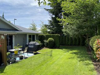 Photo 2: 107 1919 St Andrews Pl in COURTENAY: CV Courtenay East Row/Townhouse for sale (Comox Valley)  : MLS®# 840958