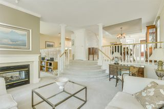 """Photo 12: 57 3405 PLATEAU Boulevard in Coquitlam: Westwood Plateau Townhouse for sale in """"PINNACLE RIDGE"""" : MLS®# R2483170"""