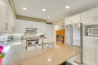 """Photo 17: 57 3405 PLATEAU Boulevard in Coquitlam: Westwood Plateau Townhouse for sale in """"PINNACLE RIDGE"""" : MLS®# R2483170"""