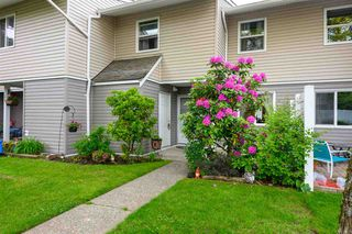 Photo 1: 44 5307 204 STREET in Langley: Langley City Townhouse for sale : MLS®# R2461539