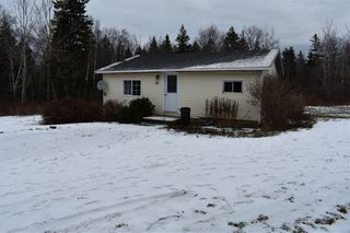 Photo 3: 68 DOTY Road in Ashmore: 401-Digby County Residential for sale (Annapolis Valley)  : MLS®# 202025102