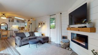 Photo 1: 5611 WAKEFIELD Road in Sechelt: Sechelt District Manufactured Home for sale (Sunshine Coast)  : MLS®# R2527420