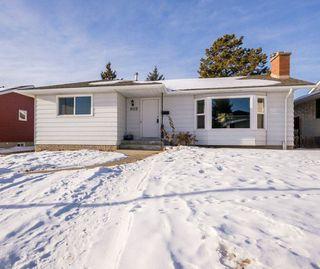 Photo 2: 8012 180 Street in Edmonton: Zone 20 House for sale : MLS®# E4224974