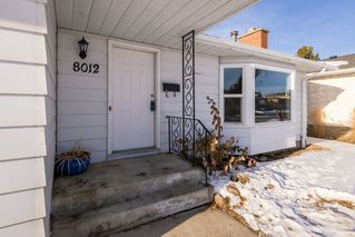Photo 3: 8012 180 Street in Edmonton: Zone 20 House for sale : MLS®# E4224974