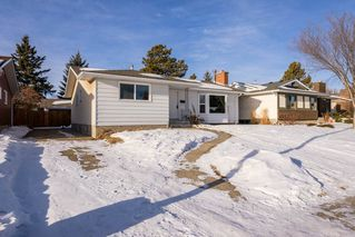 Photo 1: 8012 180 Street in Edmonton: Zone 20 House for sale : MLS®# E4224974