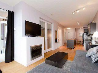 "Photo 2: # 405 205 E 10TH AV in Vancouver: Mount Pleasant VE Condo for sale in ""THE HUB"" (Vancouver East)  : MLS®# V928760"