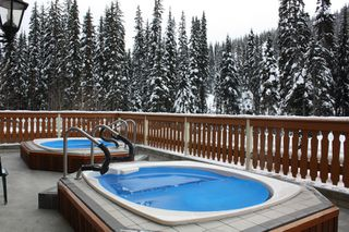 Photo 5: 215 3170 Creekside Way in Sun Peaks: Condo for sale