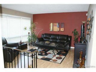 Photo 6: 118 LLOYD Crescent in Regina: Uplands Single Family Dwelling for sale (Regina Area 01)  : MLS®# 478779