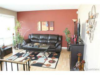 Photo 4: 118 LLOYD Crescent in Regina: Uplands Single Family Dwelling for sale (Regina Area 01)  : MLS®# 478779