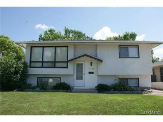Photo 1: 118 LLOYD Crescent in Regina: Uplands Single Family Dwelling for sale (Regina Area 01)  : MLS®# 478779