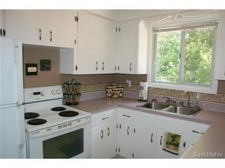 Photo 11: 118 LLOYD Crescent in Regina: Uplands Single Family Dwelling for sale (Regina Area 01)  : MLS®# 478779