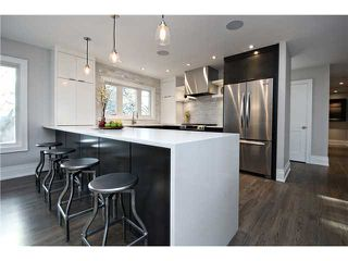 Photo 4: 6420 LAURENTIAN Way SW in CALGARY: North Glenmore Residential Detached Single Family for sale (Calgary)  : MLS®# C3597242