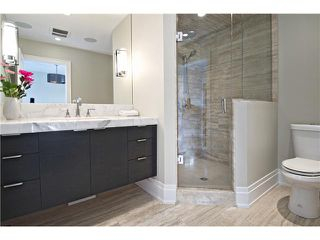 Photo 11: 6420 LAURENTIAN Way SW in CALGARY: North Glenmore Residential Detached Single Family for sale (Calgary)  : MLS®# C3597242