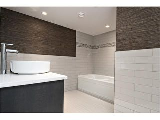 Photo 14: 6420 LAURENTIAN Way SW in CALGARY: North Glenmore Residential Detached Single Family for sale (Calgary)  : MLS®# C3597242