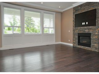 "Photo 8: 16951 79TH Avenue in Surrey: Fleetwood Tynehead House for sale in ""THE LINKS"" : MLS®# F1412362"