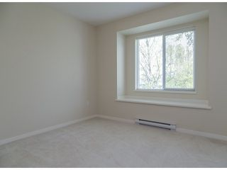 """Photo 11: 3 14838 61ST Avenue in Surrey: Sullivan Station Townhouse for sale in """"SEQUOIA"""" : MLS®# F1415294"""