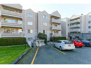 Photo 3: 204 9644 134TH Street in Surrey: Whalley Condo for sale (North Surrey)  : MLS®# F1433116