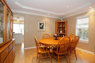 "Photo 11: 34 15860 82ND Avenue in Surrey: Fleetwood Tynehead Townhouse for sale in ""Oak Tree"" : MLS®# F1435529"