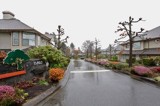 "Photo 1: 34 15860 82ND Avenue in Surrey: Fleetwood Tynehead Townhouse for sale in ""Oak Tree"" : MLS®# F1435529"