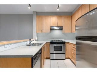 """Photo 4: 208 2083 W 33RD Avenue in Vancouver: Quilchena Condo for sale in """"Devonshire House"""" (Vancouver West)  : MLS®# V1116433"""