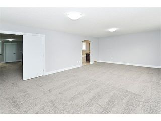 Photo 18: 116 KINNIBURGH Circle: Chestermere House for sale : MLS®# C4038906