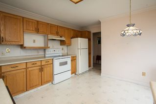 """Photo 7: 221 15153 98 Avenue in Surrey: Guildford Townhouse for sale in """"Glenwood Village"""" (North Surrey)  : MLS®# R2040230"""