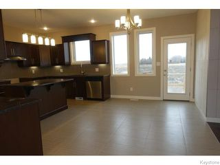 Photo 7: 109 Luzon Bay in Winnipeg: Maples / Tyndall Park Residential for sale (North West Winnipeg)  : MLS®# 1609459