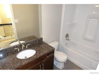 Photo 12: 109 Luzon Bay in Winnipeg: Maples / Tyndall Park Residential for sale (North West Winnipeg)  : MLS®# 1609459