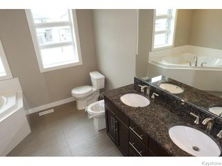 Photo 13: 109 Luzon Bay in Winnipeg: Maples / Tyndall Park Residential for sale (North West Winnipeg)  : MLS®# 1609459