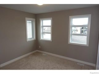 Photo 18: 109 Luzon Bay in Winnipeg: Maples / Tyndall Park Residential for sale (North West Winnipeg)  : MLS®# 1609459