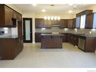 Photo 6: 109 Luzon Bay in Winnipeg: Maples / Tyndall Park Residential for sale (North West Winnipeg)  : MLS®# 1609459