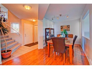 Photo 3: 125 SPRING Crescent SW in Calgary: Springbank Hill House for sale : MLS®# C4077797